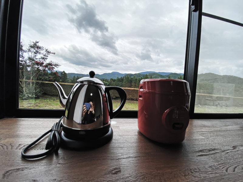 山善のひとり暮らし用 炊飯器とDRETEC 電気ケトル